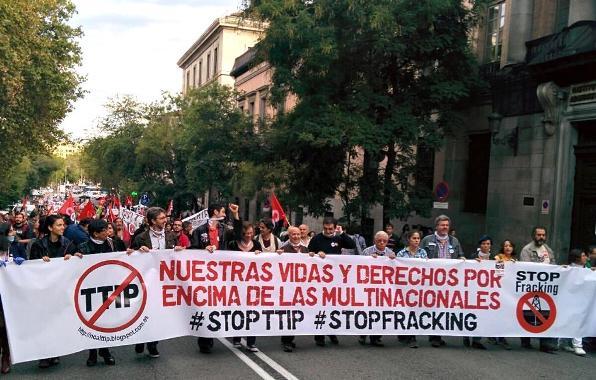 Manifestación contra el TTIP y el fracking. Madrid, 11 oct. 2014. Twitter.com