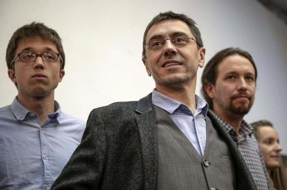 De izquierda a derecha, Íñigo Errejón, Juan Carlos Monedero y Pablo Iglesias. Elconfidencial.com. Efe.