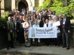 Miembros del Interfaith Power Light. 2015. Facebook.com.