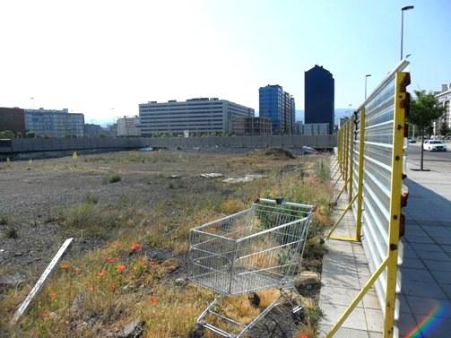 Un solar degradado en el barrio de la Rosaleda. Ponferrada, 1 jun. 2012. Foto: Enrique L. Manzano.