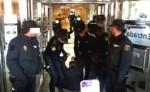 La Policía Nacional procede al desalojo de activistas de la PAH en la sede provincial de la Junta de CyL. Burgos, 20 mayo 2015. Diarioprogresista.es.