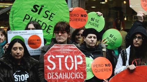 Una protesta de Stop Desahucios en Andalucía. 2013. Nuevatribuna.es.