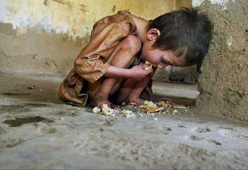 Sería suficiente con que destinásemos un tres por ciento del presupuesto  mundial en armamento para acabar con el hambre. Fuente: jomer.files.wordpress.com.