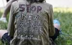 'Stop Nuevo Orden Mundial'. 2015. Luke Rodkowsky. Twitter.com.
