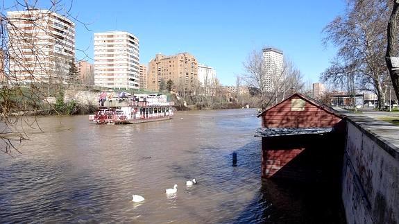 Una vista de Valladolid y del Pisuerga a su paso por la capital autonómica de Castilla y León. Fuente: elnortedecastilla.es.