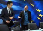 El jefe del Eurogroupo, Jeroen Dijsselbloem (izquierda) y  Yanis Varoufakis en un encuentro económico tras el triunfo de Syriza. 2015. Bbc.com. Efp.