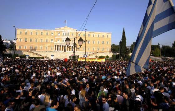 La protesta se extiende de España a Grecia. Atenas, 25 mayo 2011. Fuente: vivenavalmoral.com.