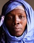 Moulkheir Mint Yarba logro liberarse de la esclavitud en 2010 y sigue pidiendo justicia para su hermana asesinada por sua amos. Cnn.com.