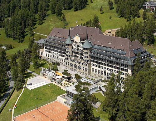 El Hotel Suvretta House en Saint Moritz, en Suiza, sede de la reunión del Club Bilderberg 2011.