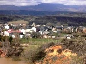 El pueblo de Matachana en el-Alto Bierzo, donde Biergrim quiso abrir un verdero industrial. 2011. Matachana.blogspot.com.