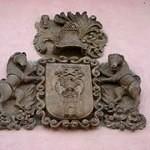 Escudo de los Carujo en Villar de los Barrios. 2009.