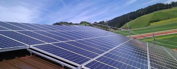 La campaña de ANPIER 'El Camino del Sol' busca informar a la ciudadanía sobre las ventajas de las energías renovables. Sept. 2015. Greenpeace.org.