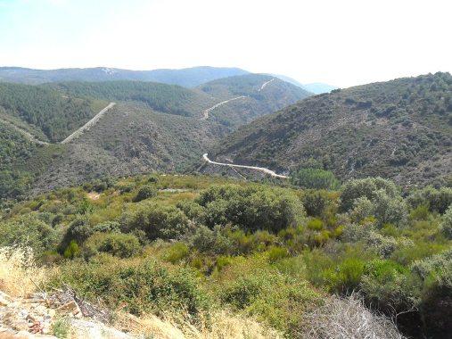 El valle del río Ancares en la Reserva de la Biosfera de los Ancares Leoneses, visto desde el alto de San Pedro de Olleros. 10 sept. 2012. Foto: Enrique L. Manzano.