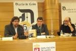El escritor Manuel Cuenya (primero por la izquierda). Elecodelbierzo.com.
