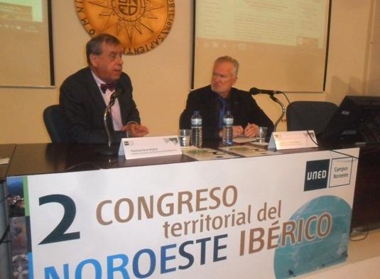 Francisco Sosa Wagner y José Luis Prieto. Ponferrada, 2 nov. 2015.