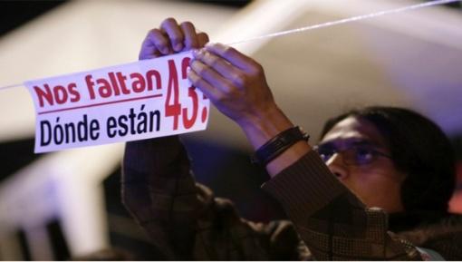 Los familiares de los normalistas de Ayotzinapacontinúan reclamando justicia. 2015. Telesurtv.net. Reuters.