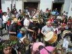La 'Escola de Gaitas de Vilafranca' durante la celebración de los Mayos. Villafranca del Bierzo, 1 mayo 2010. Foto: Enrique L. Manzano.