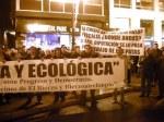 Manifestación contra la pésima gestión medioambiental de Gersul. Ponferrada, 29 dic. 2010. Foto: Enrique L. Manzano.