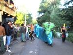 Pasacalle. Primer Encuentro Conciencia y Cooperativismo. Toral de Merayo, 30 jun. 2012. Foto: Enrique L. Manzano.
