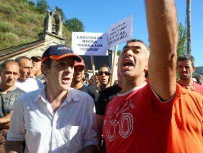 Protesta minera contra SOS Laciana en Sosas de Laciana. Agosto 2011. Losverdeslaciana.com.