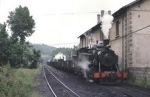 Una de las locomotoras del Ponfeblino en la estación de Toreno.