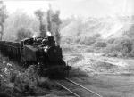 Ponfeblino. Una locomotora a vapor en la línea Ponferrada-Villablino. Leonoticias.com. Foto: Ayto. de Villablino.