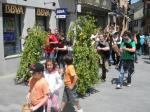 Uno de los cortejos accede a la plaza Mayor. 'Festividad de los Mayos'. Villafranca del Bierzo, 1 mayo 2010. Foto: Enrique L. Manzano.