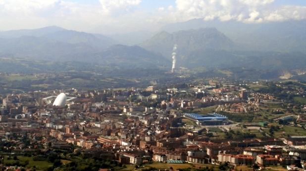 Oviedo bajo la contaminación. Dic. 2015. Fuente: Asturias24.es.