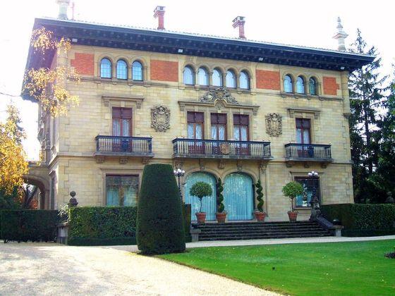 Palacio de Ajuria Enea, residencia oficiall Lehendakari en Vitoria. 2010. Wikipedia.org.