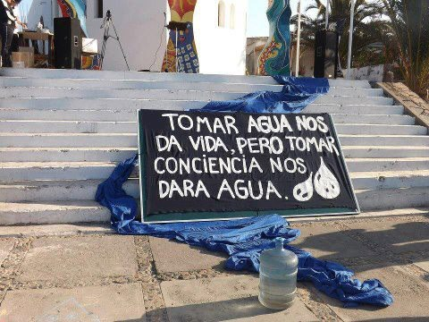 'Tomar agua nos dará vida, pero tomar conciencia nos dará gua'. Facebook.com. Revolució del agua.