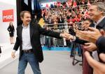 Zapatero saluda a Canedo en un mitin. Libertad digital.com.