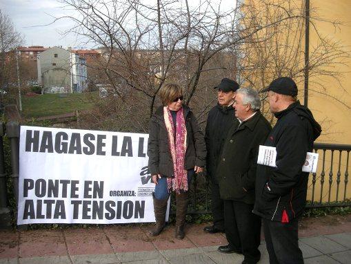 Manifestación contra la subida de las tarifas de la luz. Ponferrada. 27 enero 2011. Foto: Enrique L. Manzano.