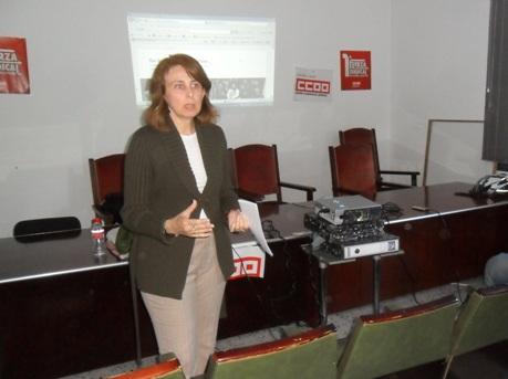 Celia Díaz presenta la Asociación de SBP-CA. Ponferrada, 21 mayo 2013. Foto: Enrique L. Manzanp.