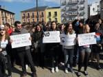 Concentración estudiantil  solidaria con los estudiantes de Valencia. Ponferrada, 29 febr.  2012. Foto: Enrique L. Manzano.