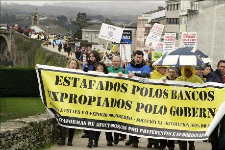 Protesta en Galicia por la estafa de las preferentes. 2013. Zoomnews.es.