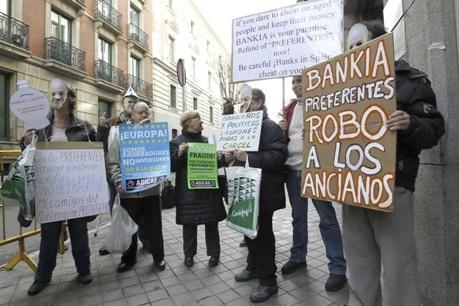 Tan sólo en Bankia se acumulan 140.000 casos de afectados por las preferentes. Madrid, 20 dic. 2012. Vozpopuli.com. Efe.