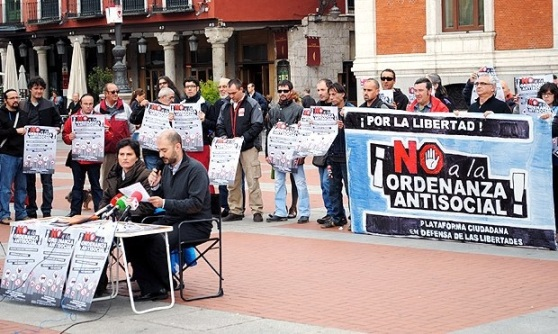 Protesta de la Plataforma Ciudadana en Defensa de las Libertades. Valladolid, 2013. Tamtampress.es.