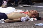 El cadáver del Carlo Giuliani. Génova, 20 jul 2001. Nuovaresistenza.org