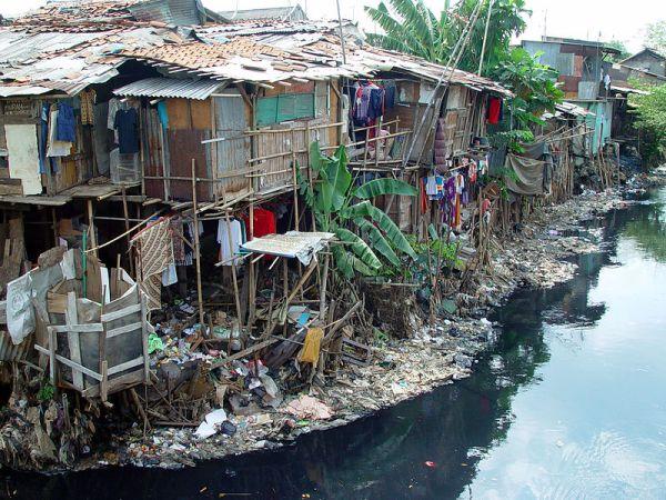 East Cipinang, Yakarta, Indonesia. 2004. Wikipedia.org. Jonathan McIntosh.